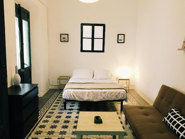 Room in historic center 6