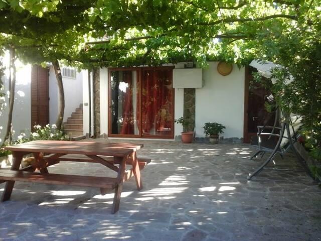 monolocale con terrazza panoramica - Dorgali - Apartment