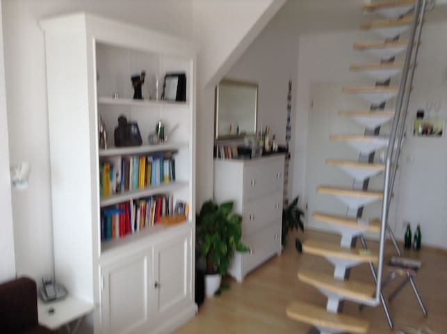 Dachgeschosswohnung mit Terasse - Brunswick - Apartamento