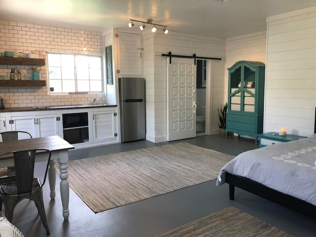 Palmetto Bay Escape (studio apartment)