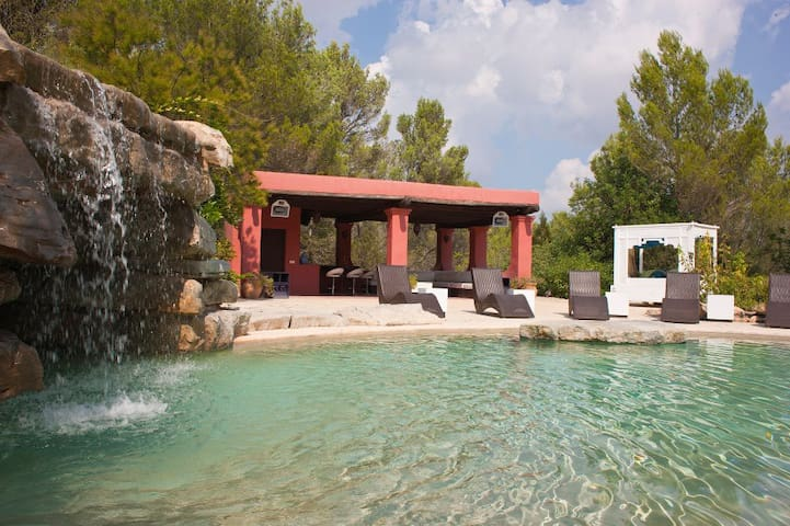 The Garden Room at Bosque de Pere