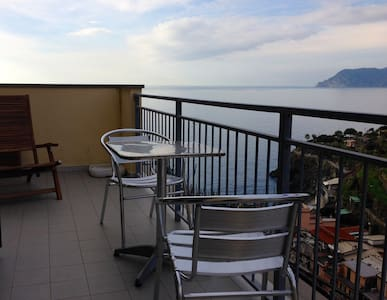 Giorgio 2 with balcony and sea view - 馬納羅拉(Manarola) - 獨棟