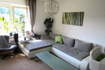 Möbliertes Zimmer in moderner Whg!