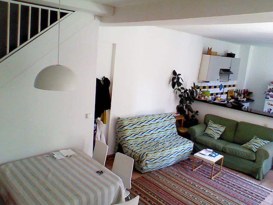Canapé-lit confortable (BZ) dans le séjour