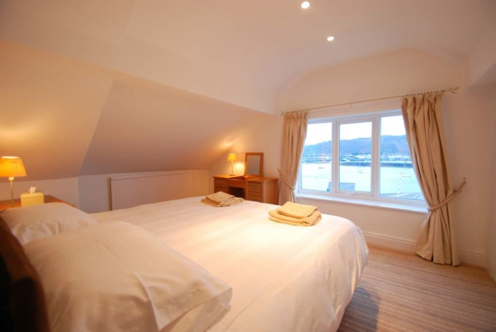 Bedroom: Estuary View Apartment in Deganwy Conwy