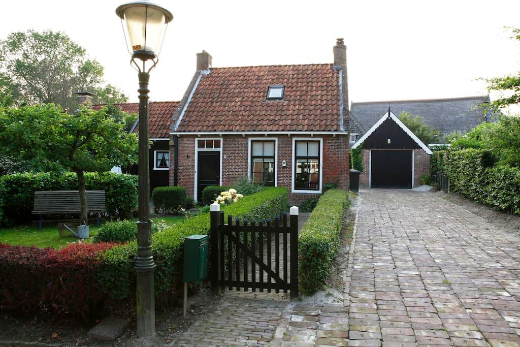 Het terphuisje huizen te huur in ee friesland nederland for Huizen te koop friesland