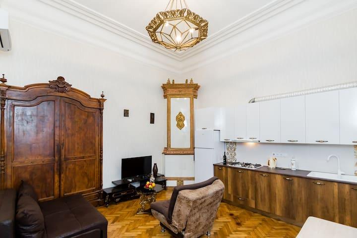 Old Agmashenebeli Apartments