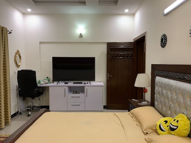 Bahria Town Guest House phase 3