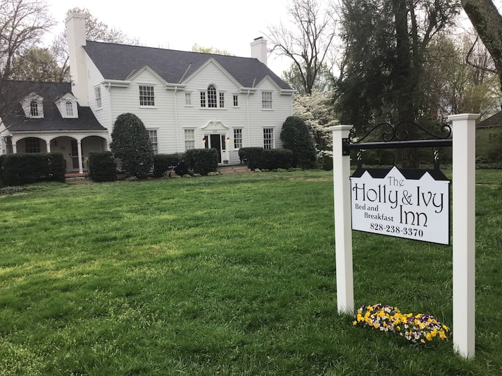 Holly&Ivy Inn-Coach House Rm-5of5-No cleaning fee