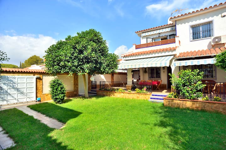VILLA CAROLINA: family house - Orihuela - Villa