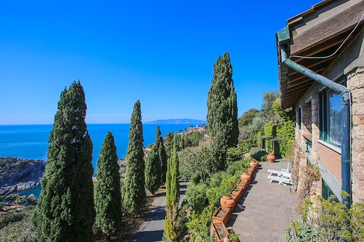 Villa - Incredible View - Private Beach - Jacuzzi