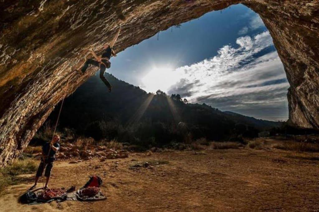 Cova grand de Santaliña