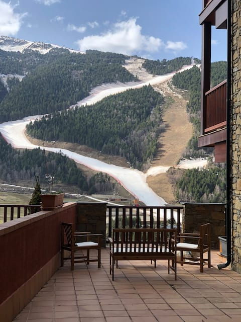 Perfect Mountain Retreat Insane View & 80m terrace