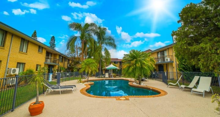 2 bd/1 ba- Jadon Place,Gold Coast,QLD-Sep 21/7 nt