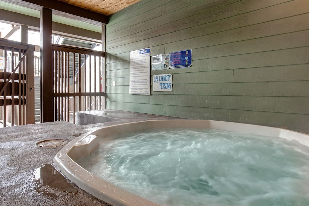 Moose Lodge Hot Tub (winter)