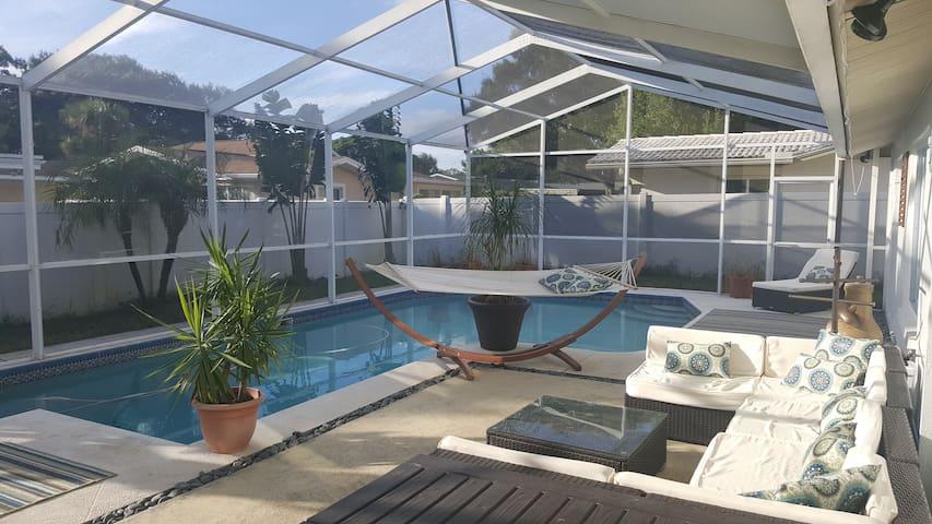 Swim, Relax, Enjoy #2 - Largo - Haus