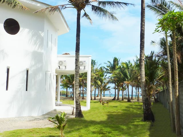 Exclusive Villa with Private Pool and Beach - Malay - Willa