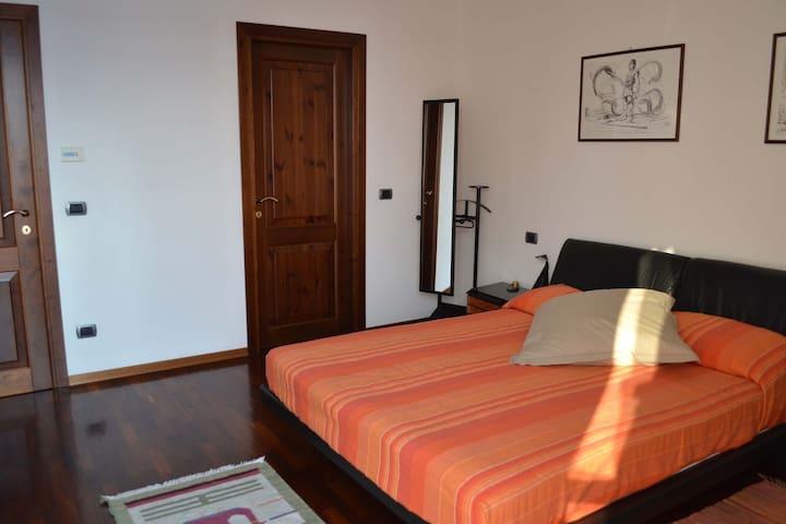 B&B Casa Mortarino in Monferrato - Bozzole - Wikt i opierunek