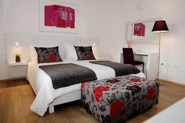 Dvor - Comfort Room with the Breakfast