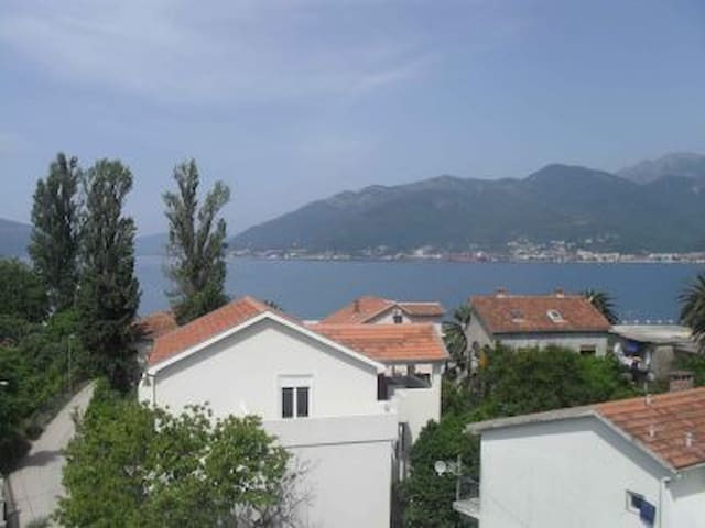 Great view from a Charming Villa  - Donja Lastva - Villa