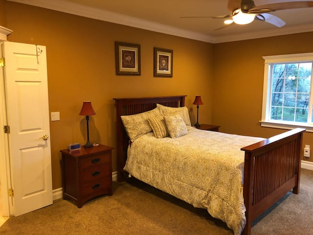 Master suite in elegant home close to Nevada City