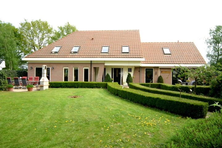 B&B Villa Petershof in Ede/Veluwe - Ede - Bed & Breakfast