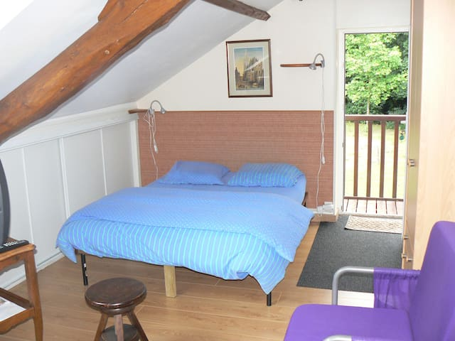 Chambres d'hôtes du Val d'Odon - LOUVIGNY - Bed & Breakfast