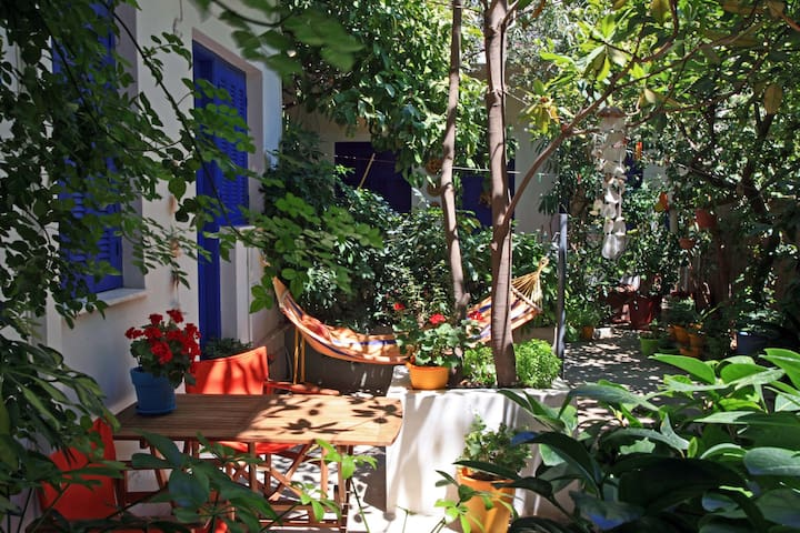 """GREEK VILLAGE"" IN THE CENTRE OF ATHENS - Tavros - Apartamento"