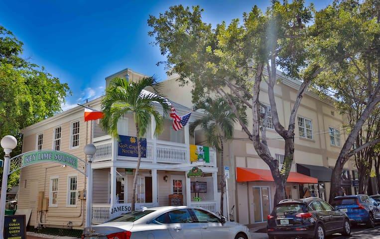 Key West Suites Hotel - Tripp Harrison Suite #204