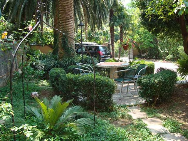 Center Cosy Garden Apartment - Kotor - Apartemen