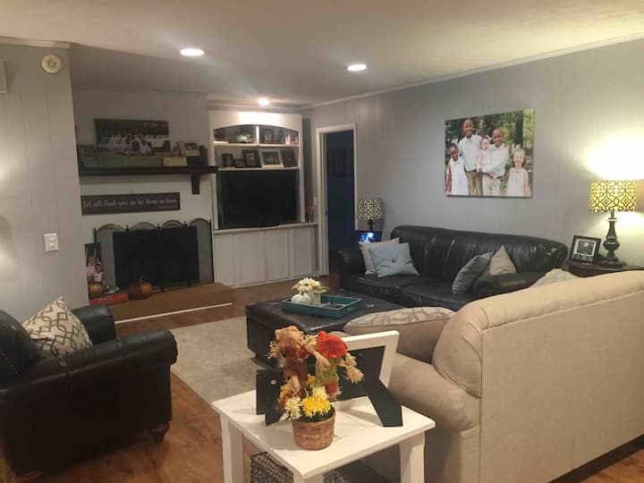 Spacious Family Home in Quiet Neighborhood