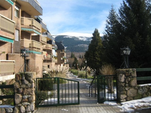 In La Gran in front of the mountain - San Ildefonso - Appartement