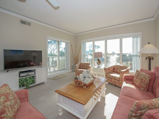 Living Room with Ocean Views at 6207 Hampton Place