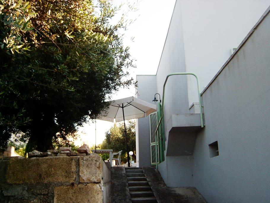 Villetta vista dal giardino inferiore