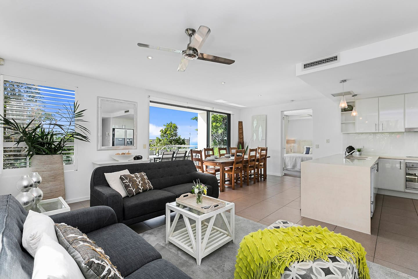 Stylish interiors, living all on one level with fully ducted reverse cycle air conditioning