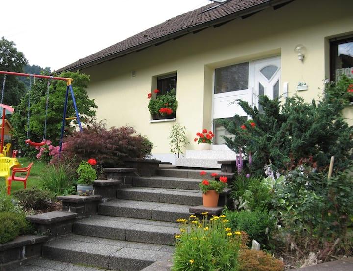 Ferienwohnung Dörflinger, (Ottenhöfen), Ferienwohnung 95qm, 2 Schlafräume, max. 4 Personen