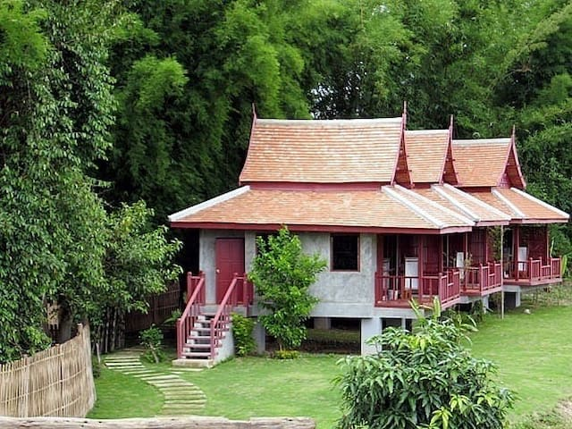 River Pai Thai Twin Cottage