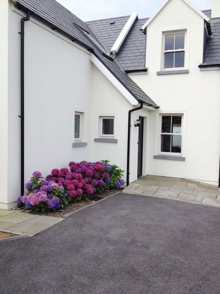 Stunning home in Lower Cromane on Ring of Kerry