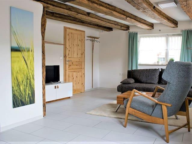 Ferienwohnung Die Schmiede, (Lenningen), Ferienwohnung mit Terrasse, 68qm, 1 Schlafzimmer, max. 2 Personen