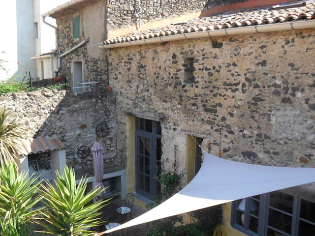 Charmantes Haus für 8 Gäste - Nizas, Hérault - Casa