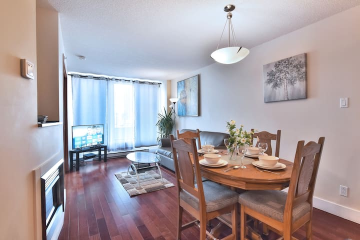Lovely condo with amazing view in Old Montreal.