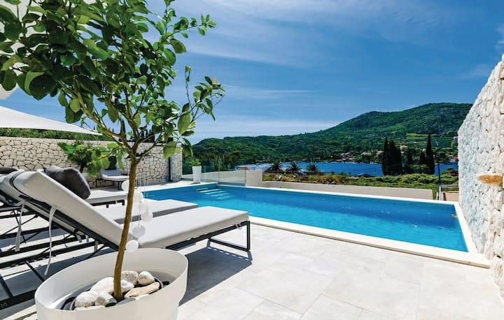 Villa White Lady Dubrovnik-private swimming pool
