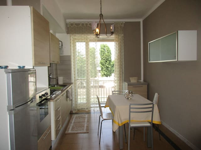 Close to the centre and Politecnico - Torino - Apartment