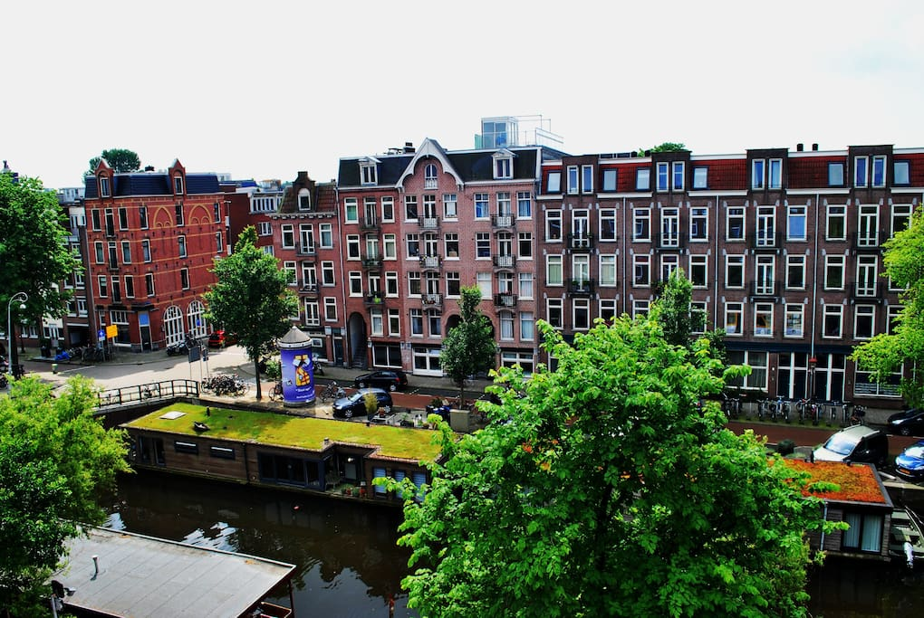 From the 4th floor, great canal and authentic Amsterdam street view
