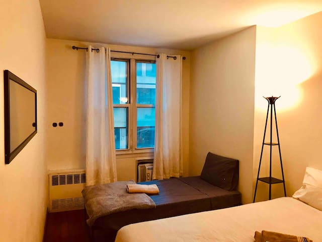 Private Room Midtown Park Avenue, Steal!