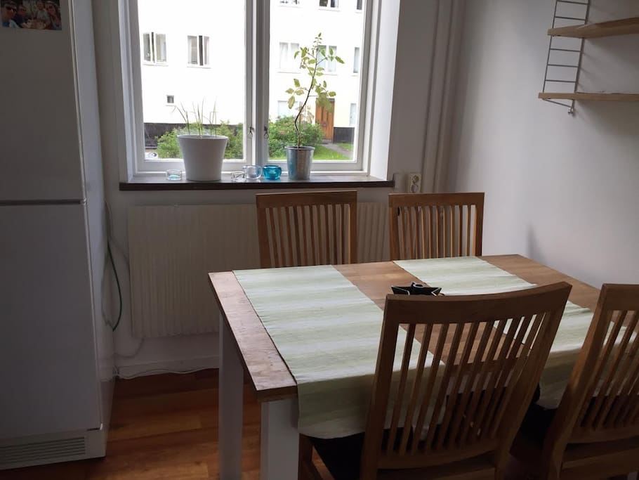 Kitchen table for 4 people