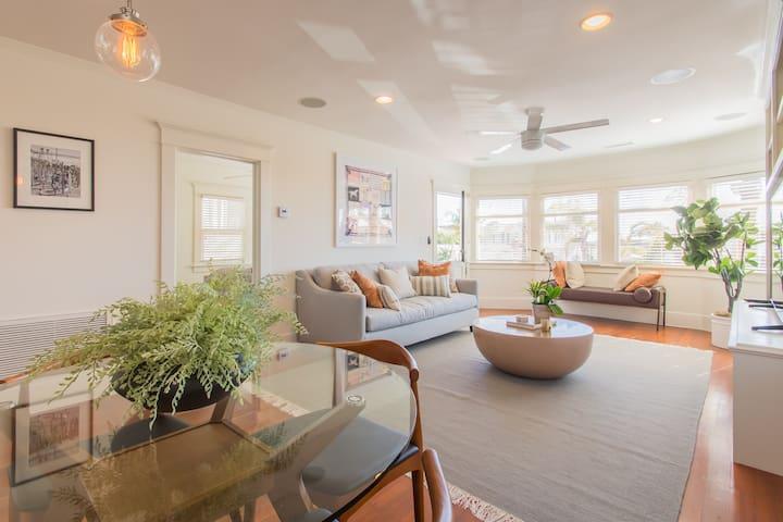 Bright, Cheery Beach Home w/Ocean View Deck