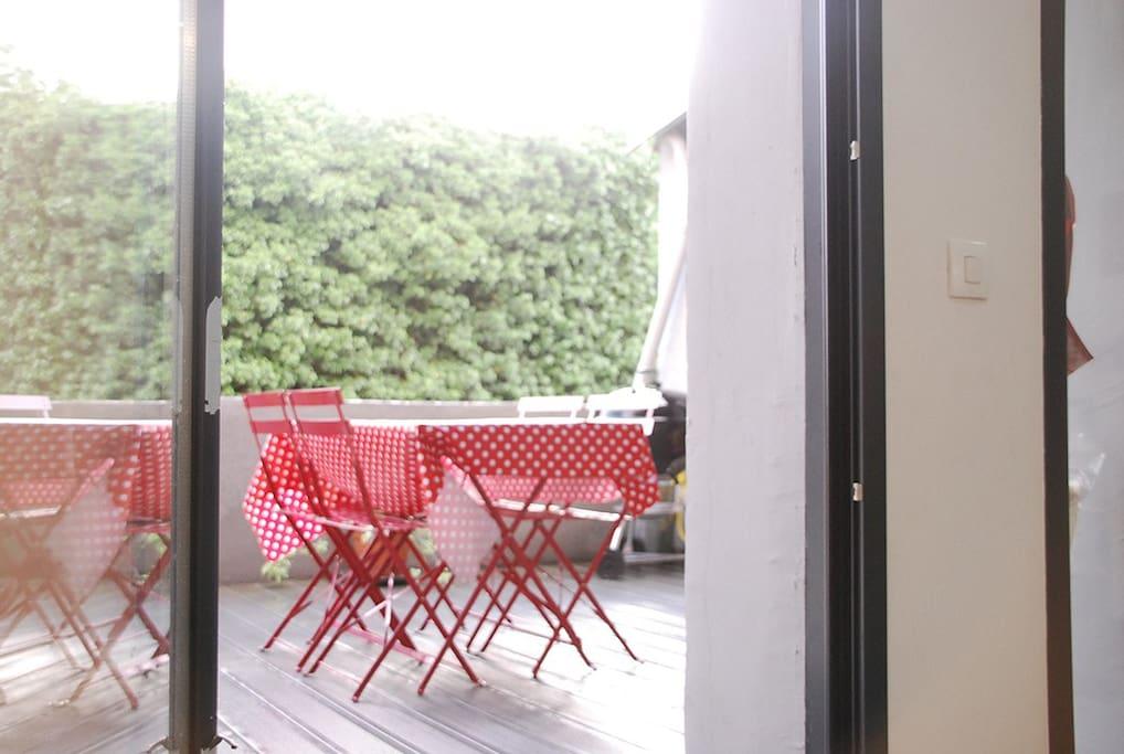 terrasse accessible du salon et de la cuisine