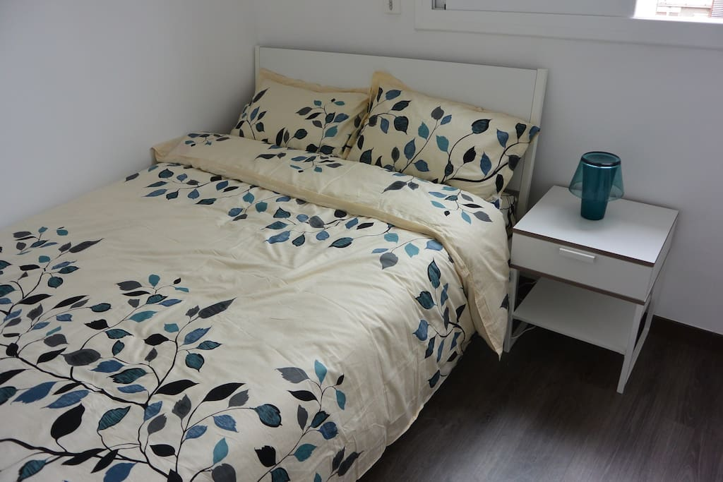 One of the bedroom, the bed size is 200*140cm