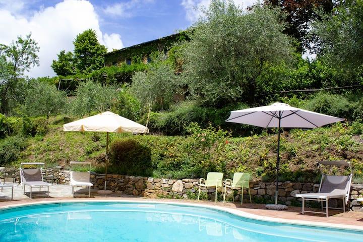 La Bicchieraia villa with pool and fantastic view
